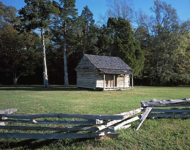 Manse George cabin on grounds of Shiloh National Military Park, Tennessee