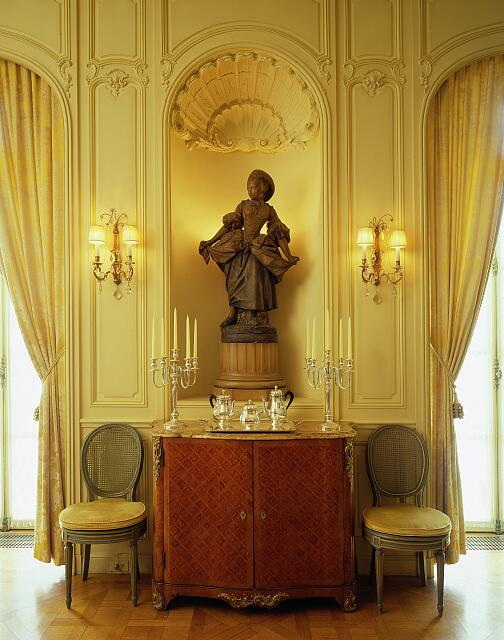 Interior statue, Belgian Embassy, Washington, D.C.