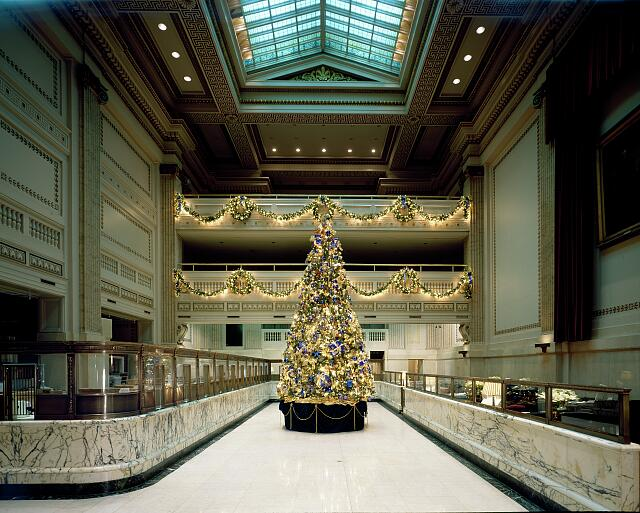 Christmas tree in the historic PNC Bank Building, formerly Bank of America, and Riggs National Bank, at the corner 15th Street and Pennsylvania Avenue N.W., Washington, D.C.