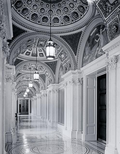 Hallway of the Library of Congress&#39;s Thomas Jefferson Building, Washington, D.C.