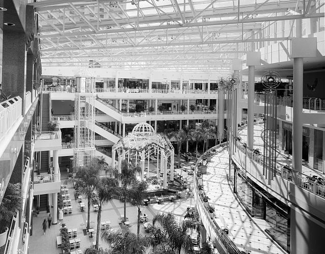 Interior of a shopping mall in Virginia