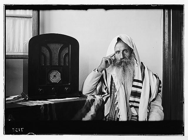 Radio 'listening in' by Yemenite rabbi