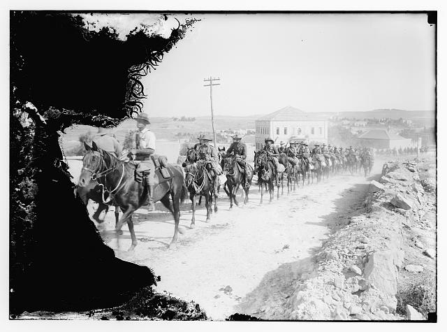[6th Australian light-horse regiment, marching in Sheikh Jarrah, on the way to Mt. Scopus, 1918]