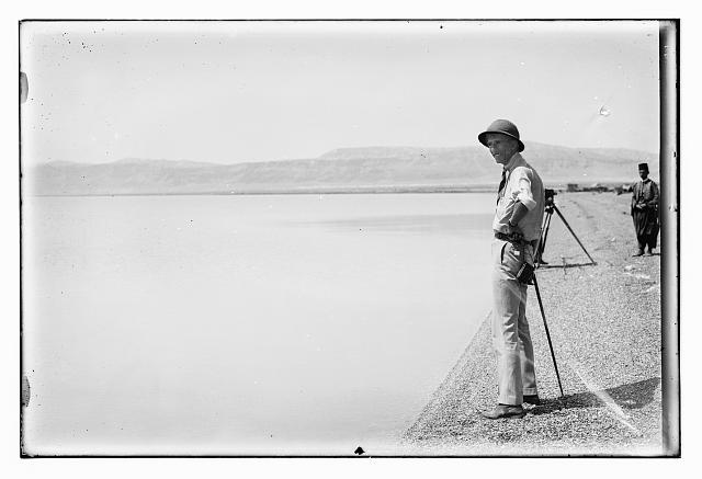 [Prince William (Wilhelm) of Sweden at the Dead Sea]