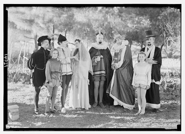 The pantomime group of the Jer. [i.e., Jerusalem] Dramatic Society, smaller group of king, queen, prince, princess, etc
