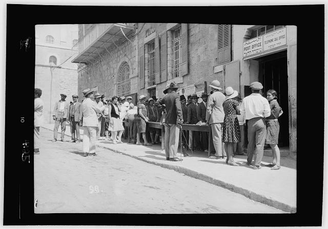 Palestine events. The 1929 riots, August 23 to 31. Lines of Jews at the Jerusalem G.P.O. Standing in queues waiting to telegraph