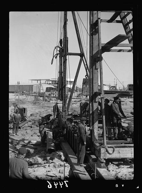 Jewish colonies. Tel Aviv. Lighter port. Driving piles