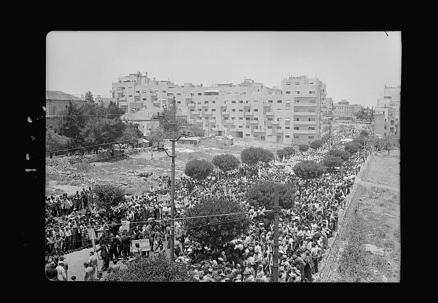 Jewish protest demonstrations against Palestine White Paper, May 18, 1939. Mass demonstrations on King George Ave. [Jerusalem]