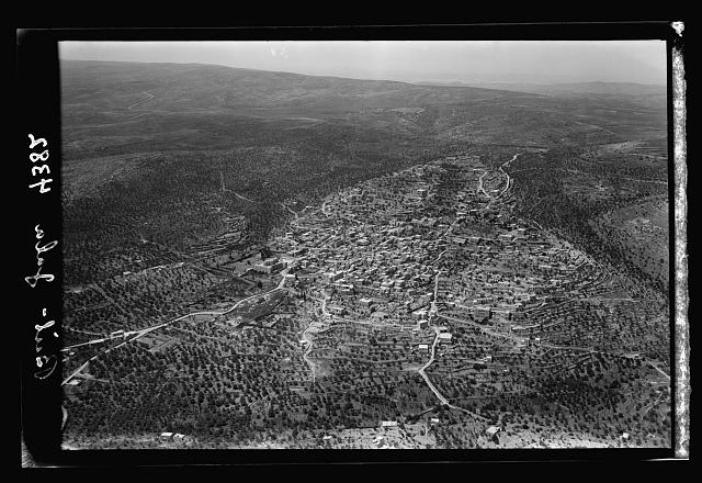 Air views of Palestine. Various points of interest around Jerusalem. Beit Jala. Propably [i.e., probably] Zelzah of I Sam. 10:2. View looking W. towad Kremsan