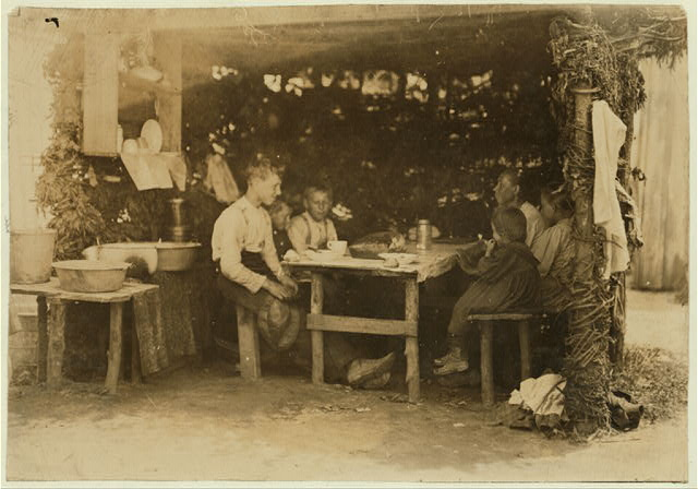 Noon hour on berry farm, Bottomley's near Baltimore, Md. The dinning room. (See report July 10, 1909).  Location: Baltimore, Maryland.
