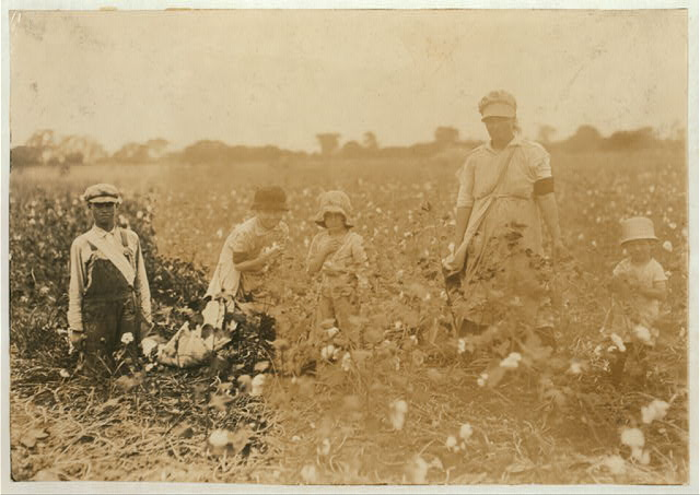 "[Family of W.T. Frakes, Route 5, Lawton, Okla. Mother said 6-year old Warren picked 41 pounds of cotton yesterday ""An I don't make him pick; he picked last year."" Had about 20 pounds in his bag. She said Clara, 11 years old, averages 75 pounds a day. Picked 101 pounds yesterday, earning $1.25 (they are picking now for another farmer). She carries 40 pounds in the bag. Velma, 14 years, picks 125 pounds. Has picked over 200 pounds in a day. Children go to Flower Mound School, District 48 while living here, but they are itinerant, renting a small farm of 10 acres now. ""We move about a good deal"" mother said.]  Location: [Comanche County, Oklahoma]"