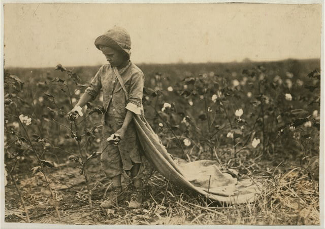 "[6-year old Warren Frakes. Mother said he picked 41 pounds yesterday ""An I don't make him pick; he picked some last year."" Has about 20 pounds in his bag. See 4574.]  Location: [Comanche County, Oklahoma]."