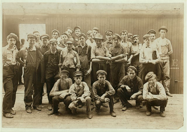 Noon Hour In an Indianapolis Cannery. Aug., 1908.  Location: Indianapolis, Indiana.