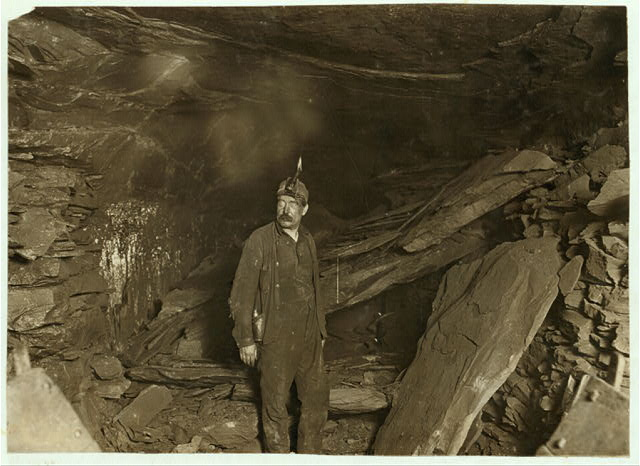 Bank Boss, Turkey Knob Mine, Macdonald, W. Va., and a great fall of Slate that blocked entry. Witness E. N. Clopper.  Location: MacDonald, West Virginia.