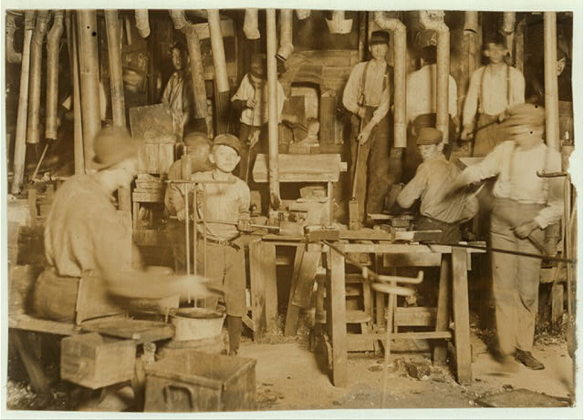 Citizens' Glass Co., Evansville, Ind. Over ten small boys on day shift in one department, were counted.  Location: Evansville, Indiana.
