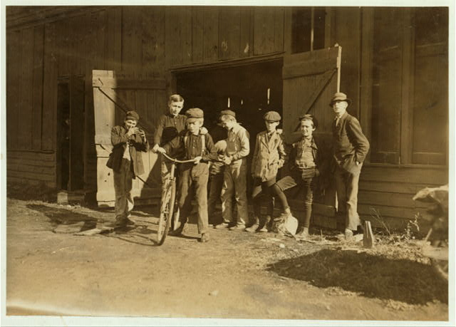 Woodbury Bottle Works. Noon hour. Woodbury, N.J. All are workers.  Location: Woodbury, New Jersey.