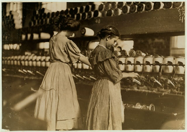 Lincoln Cotton Mill, Evansville, Ind. Young Girls at Spoolers.  Location: Evansville, Indiana.