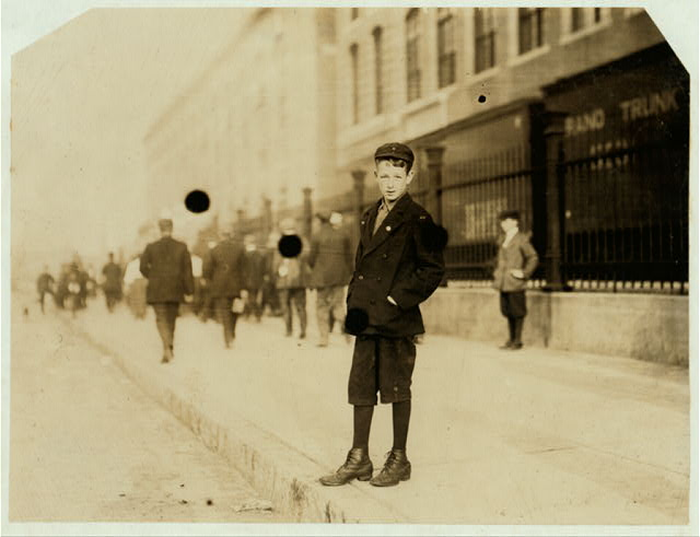 [Worker in Ayer Mill?].  Location: [Lawrence, Massachusetts]