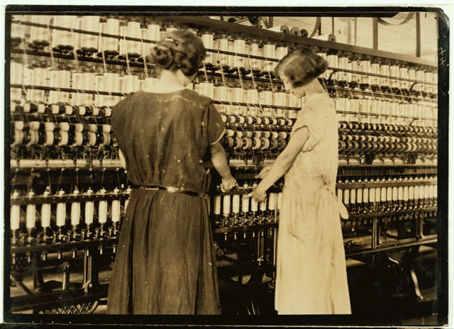 Cheney Silk Mills. Favorable working conditions.  Location: [South Manchester, Connecticut].