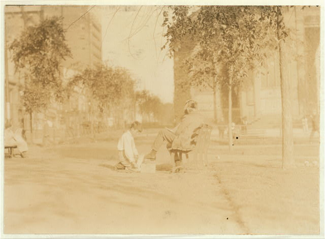 One of the young shiners on the Green at New Haven, Conn., Aug 26, 1924.  Location: New Haven, Connecticut.