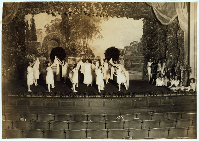 [The dance of the Children of the Sunshine. [#4140: Miss Mackay's Pageant Children of Sunshine and Shadow as presented at Washington Irving High School. L.W. Hine.]  Location: New York, New York (State)