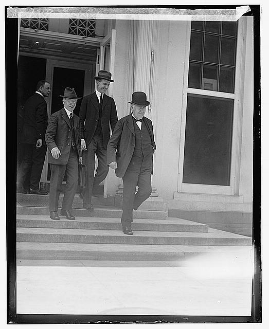 Thos. Edison at White House, 5/20/22
