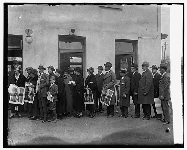 In line to vote at Clarendon, Va., 11/4/24