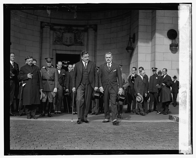 Gen. P.E. Calles & J.B. Wright at Union Station, [10/31/24]