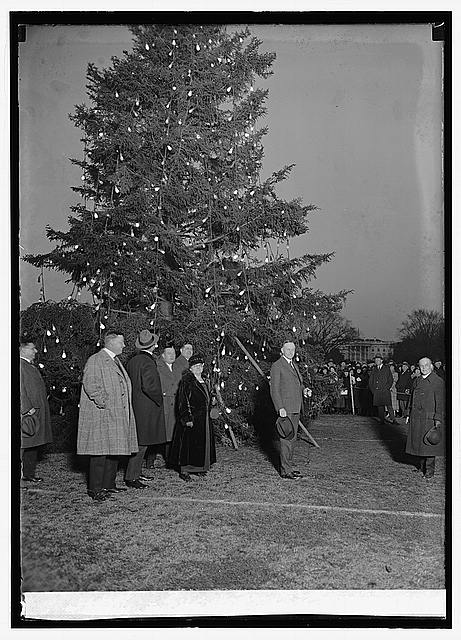 Community Christmas tree, 12/24/23