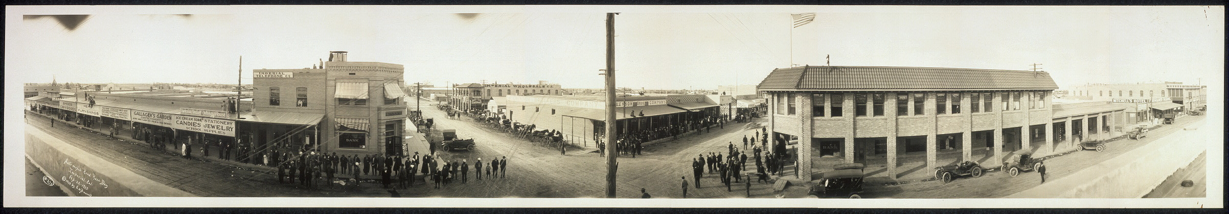 Automobile road race day, Imperial, Cal., Feb. 22, 1913