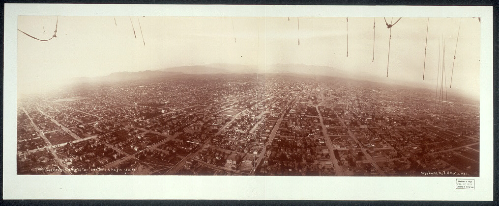 Bird&#39;s eye view of Los Angeles taken from balloon, height 1500 ft.