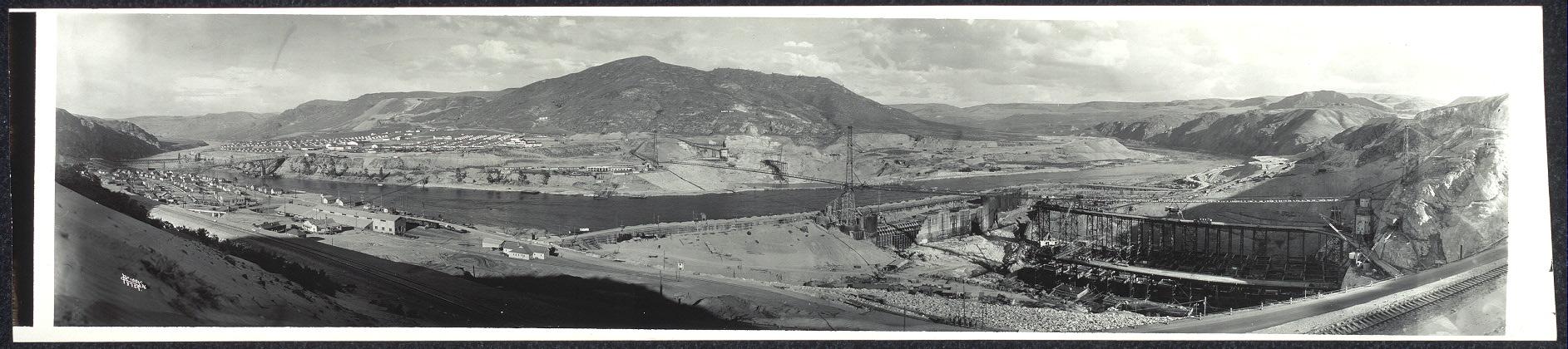 [Panorama, Coulee Dam]