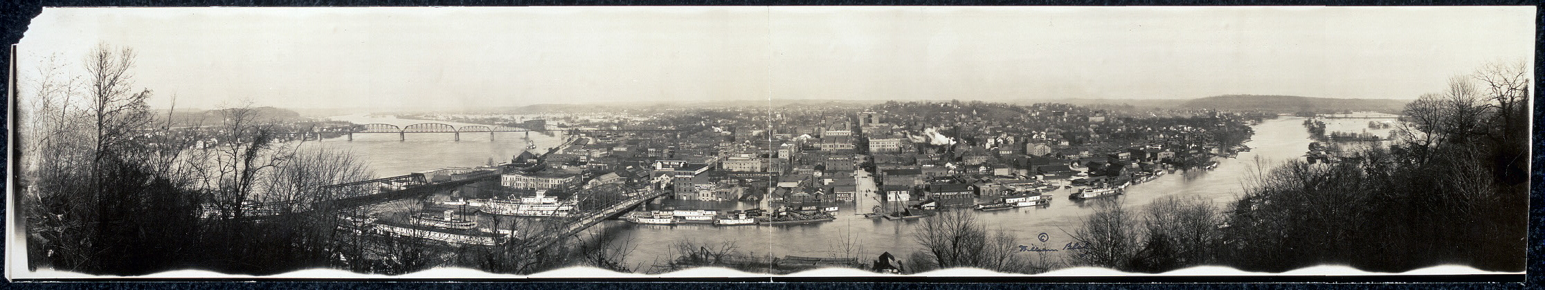 [Flood view of Parkersburg, W. Va.]