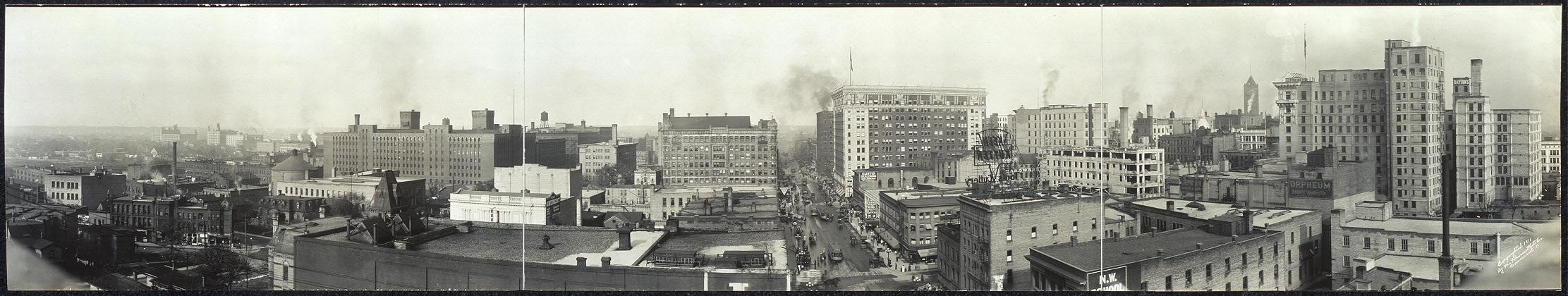 Panoramic view of Minneapolis, Minn.