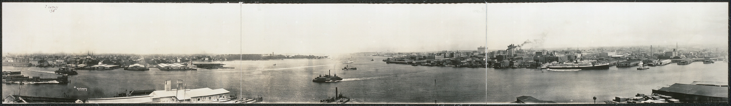 [Panoramic view, Norfolk and Portsmouth water fronts and harbor]