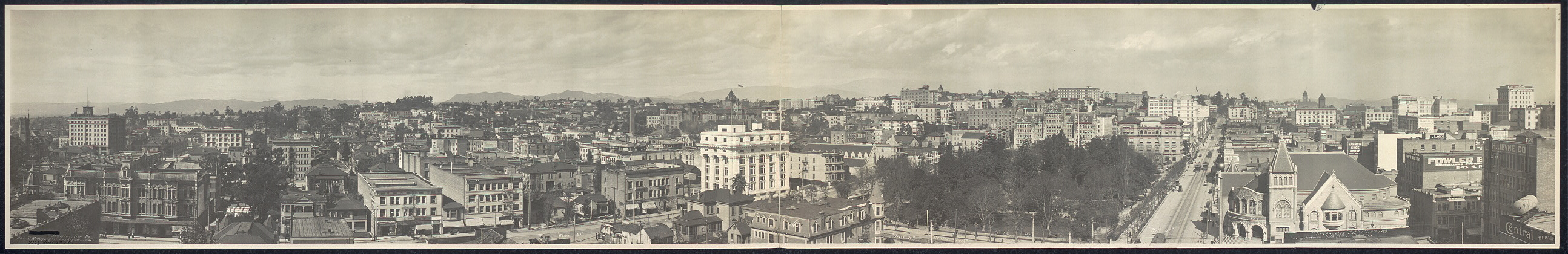 Los Angeles, Cal., Feb. 8th, 1909, looking northwest from Hill and 7th Sts.