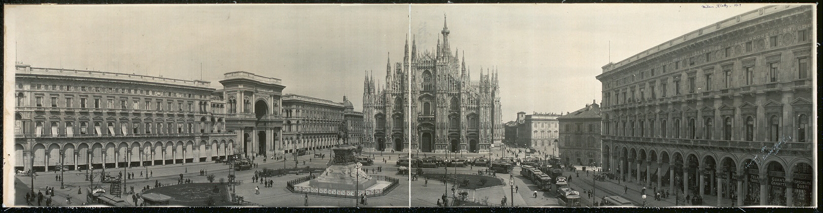 Panoramic view of Piazza & Cathedral, Milan, Italy