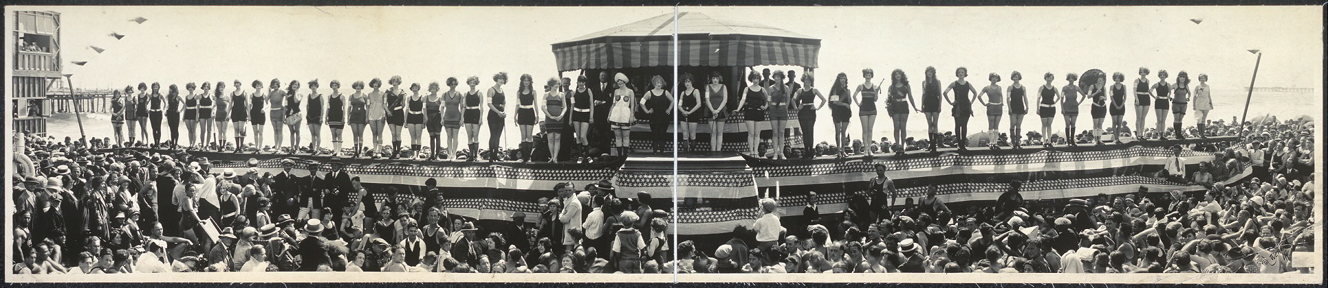 [Bathing Girl Parade, Crystal Pier, Calif.]
