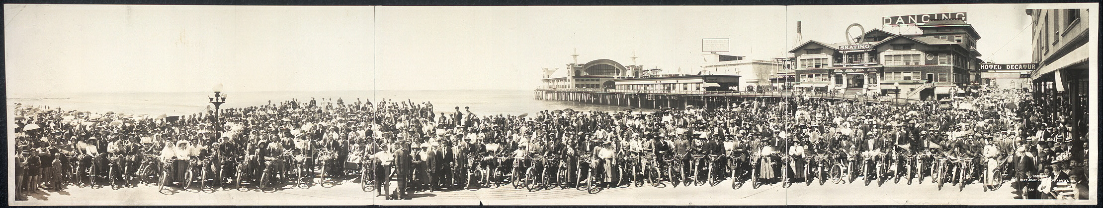Los Angeles Motorcycle Club at Venice, Calif.