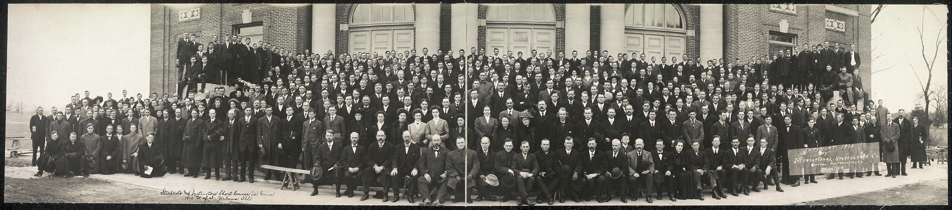 Students and instructors, short course in corn, 1910, U. of I., Urbana, Ill.