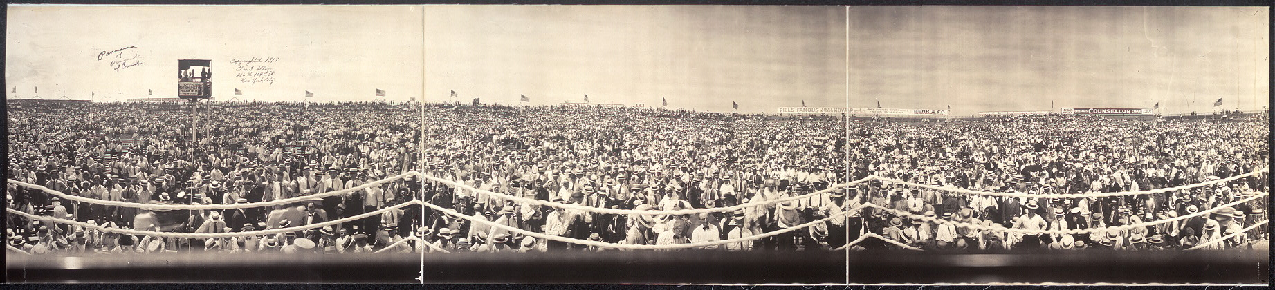 Panorama of ringside of crowd