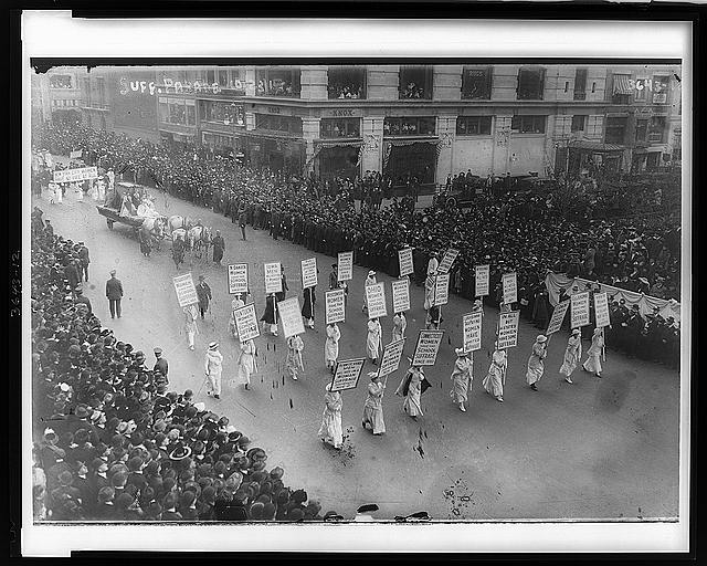 Suffragists marching, probably in New York City in 1913