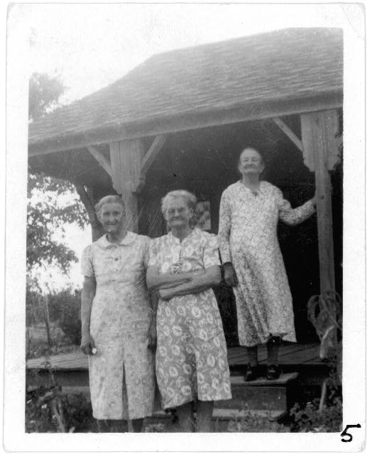 Mrs. Valbertina Kimball, Mrs. Minnie Smith, Mrs. Elizabeth Fulks, at home of Mrs. Fulks, Stanton, Texas