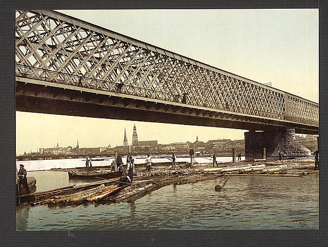 [Railway bridge, Riga, Russia, (i.e., Latvia) ]