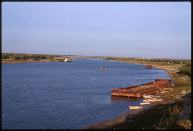 Irtysh River, ferry crossing at Bol'sherech'e, Russia