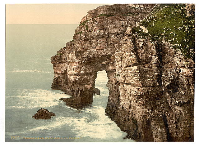 [Temple Arch, Horn Head. County Donegal, Ireland]