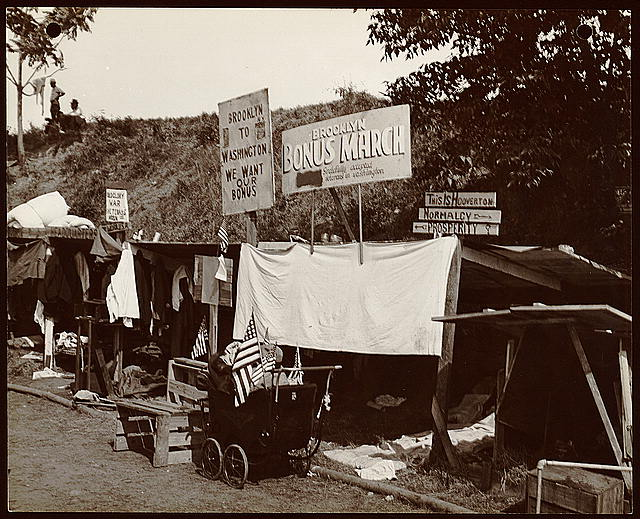 [Encampment of shanties built by Brooklyn veterans in the Bonus Expeditionary Forces in Washington, D.C.]