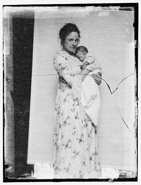 [Mother and child posed by G. O'Malley .... at Oceanside, Long Island in 1900]