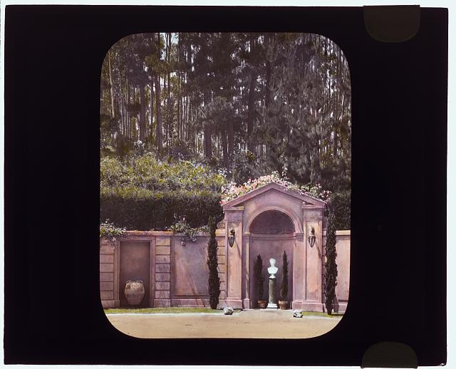"[""Villa Rose,"" Joseph Donahoe Grant house, 2260 Redington Road, Hillsborough, California. Garden wall exedra]"