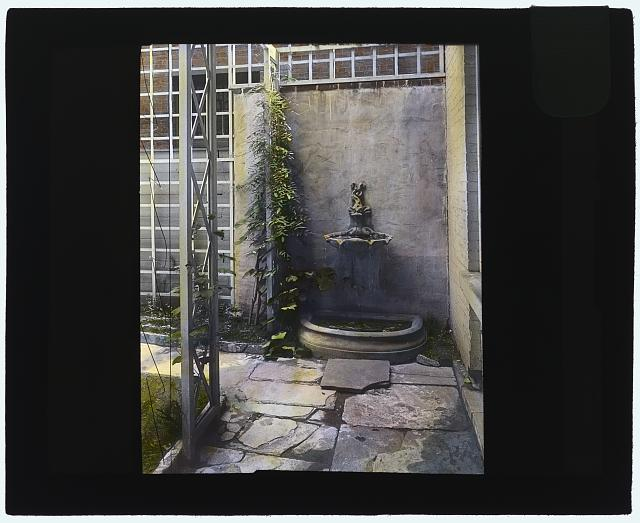 [Ruth Bramley Dean house, 150 East 61st Street, New York, New York. Wall fountain]